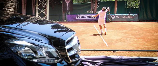 Mercedes au Tennis Club de Carthage