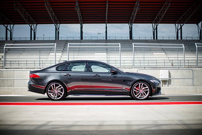 Essai de la nouvelle Jaguar XF à Navarre