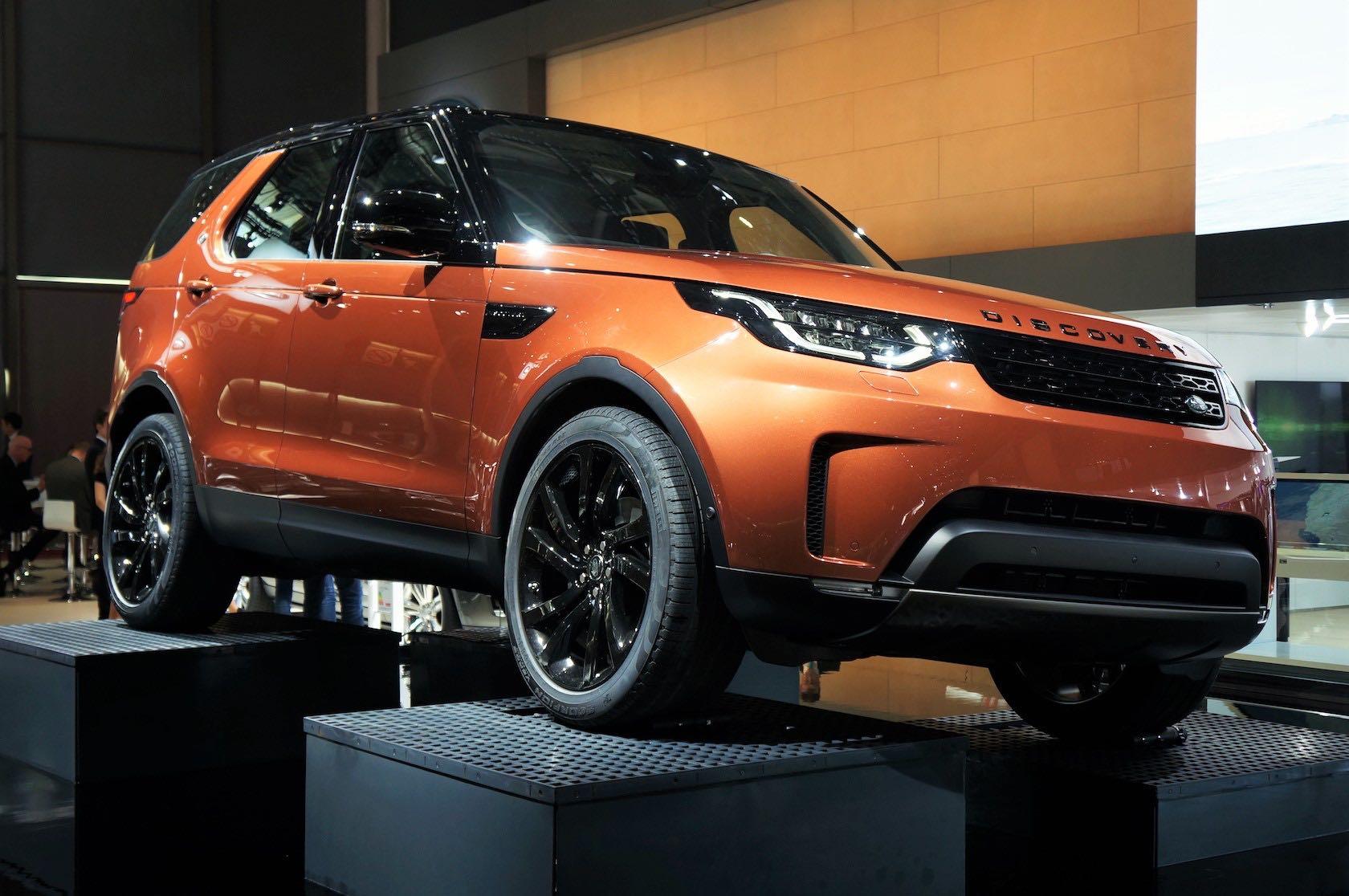 Mondial de Paris 2016 <br>Land Rover Discovery 2017