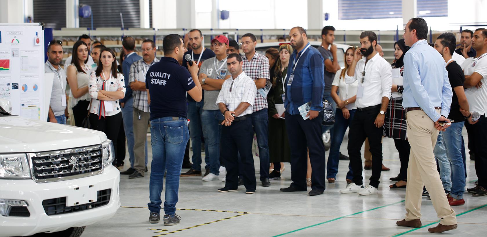 Convention réseau à l'usine Peugeot Pick-up