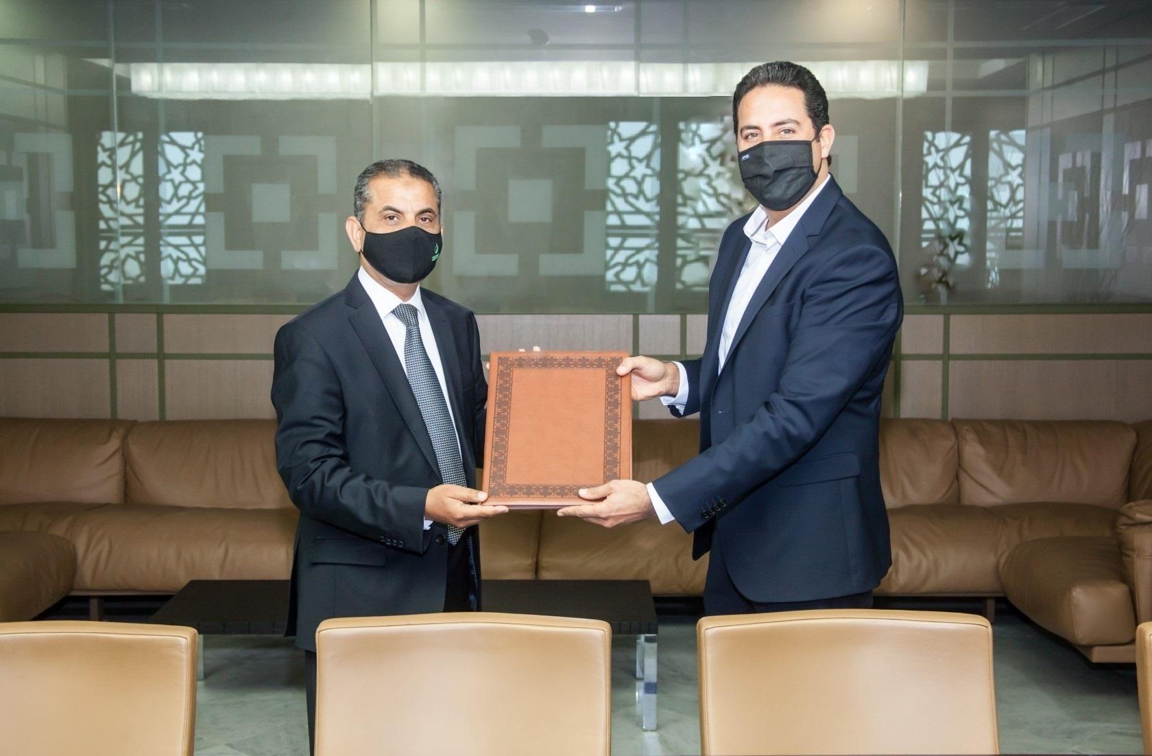 Signature d'un partenariat entre Banque Zitouna et Automobile.tn